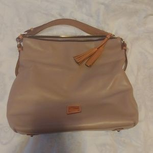 Dooney and Bourke mckenzie smoothe leather hobo